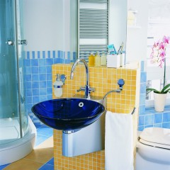 5 Tips to splash some pop colors in your normal bathroom